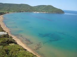 Presidio sanitario sulla spiaggia di Baratti. Misericordia e Pubblica assistenza vigileranno fino al 6 settembre
