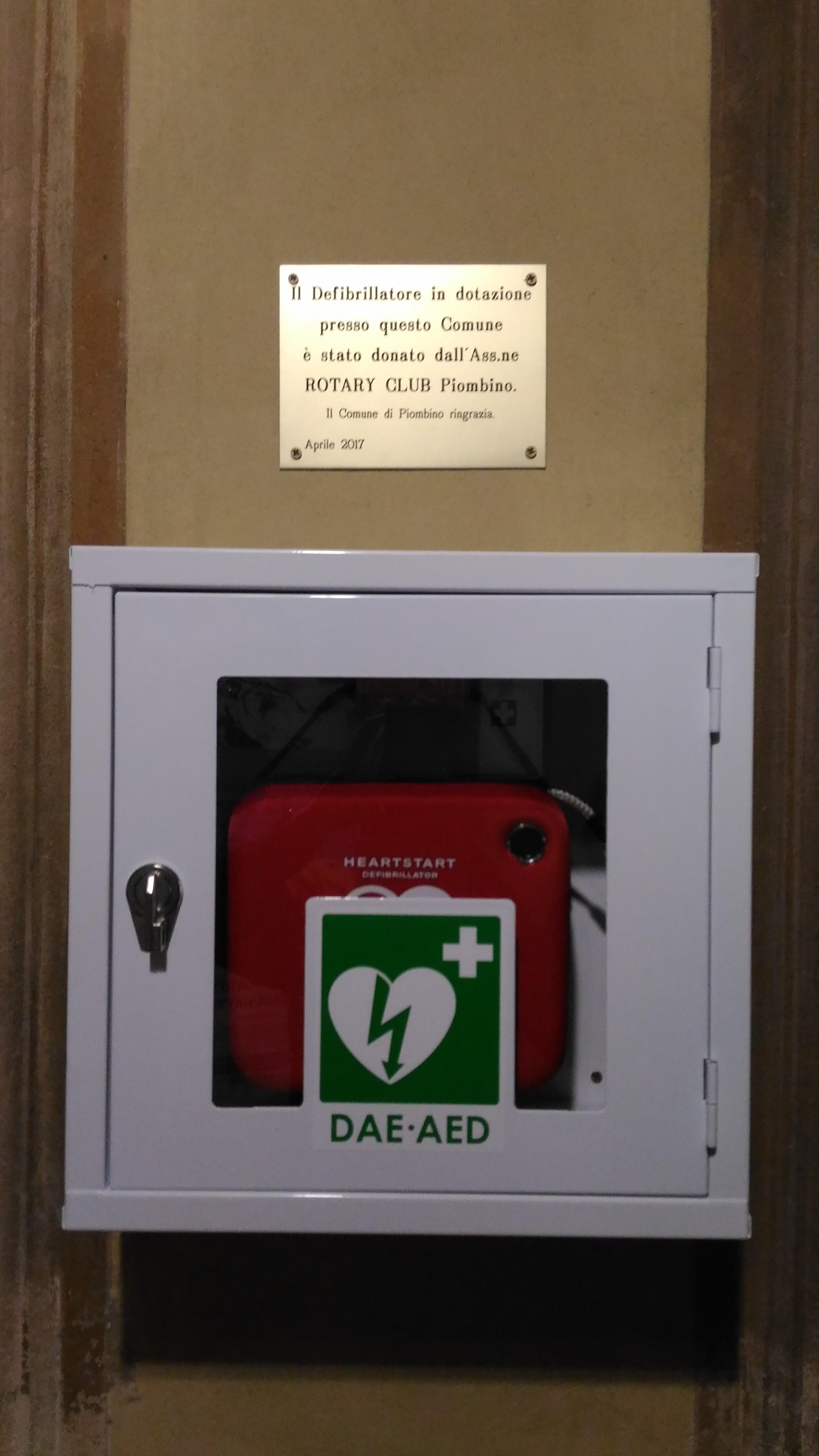 Un nuovo  defibrillatore in Comune donato dal Rotary Club