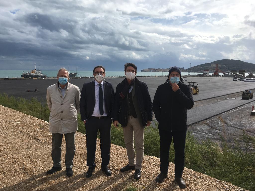 """Imminente la conclusione dei lavori di sistemazione dei piazzali del porto commerciale di Gaeta. Di Majo (AdSP): """"E' la cornice che mancava. Renderà competitivo il """"Salvo d'Acquisto"""" su scala internazionale"""""""