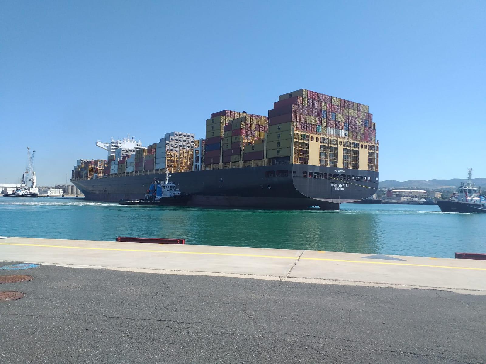 La MSC SIYA B al terminal container del Porto di Civitavecchia